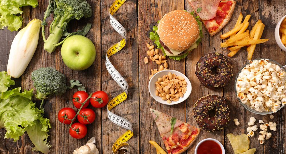 L'involuzione della specie: Nutrirsi non è più naturale.